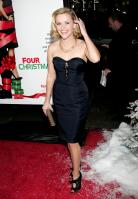 DN2BQTCOS2_Reese_Witherspoon_40_Four_Christmases_Los_Angeles_Premiere_-_November_20_13_.jpg