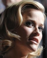 LVTQ5DQ21L_Reese_Witherspoon_40_Four_Christmases_Los_Angeles_Premiere_-_November_20_11_.JPG
