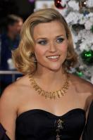 PCCKYKJYYX_Reese_Witherspoon_40_Four_Christmases_Los_Angeles_Premiere_-_November_20_17_.jpg