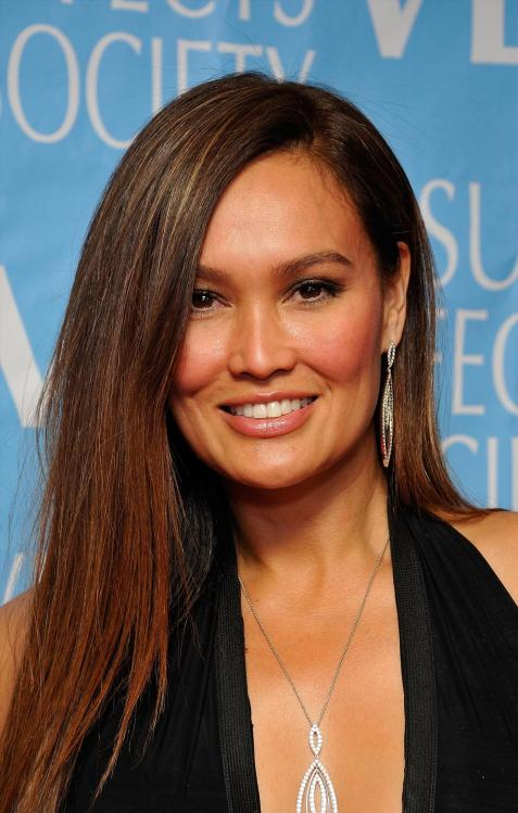 17VA0OHYE9_Cleavy_Tia_Carrere_40_7th_Annual_Visual_Effects_Society_Awards_-_February_21_9_.jpg