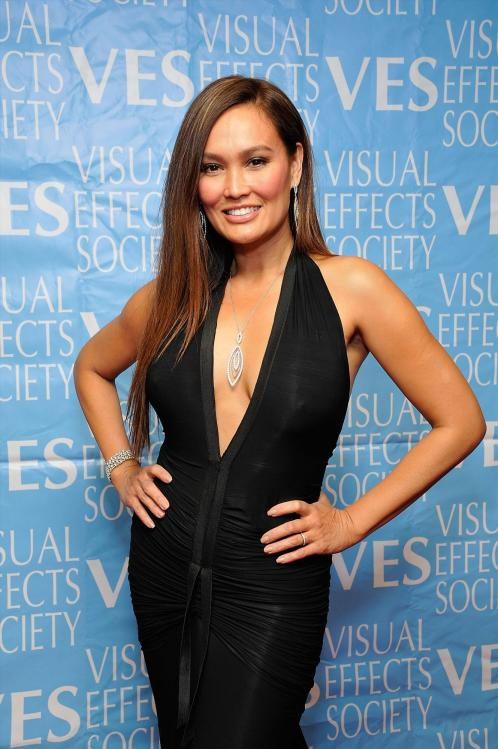 FJEB09MSUE_Cleavy_Tia_Carrere_40_7th_Annual_Visual_Effects_Society_Awards_-_February_21_4_.jpg