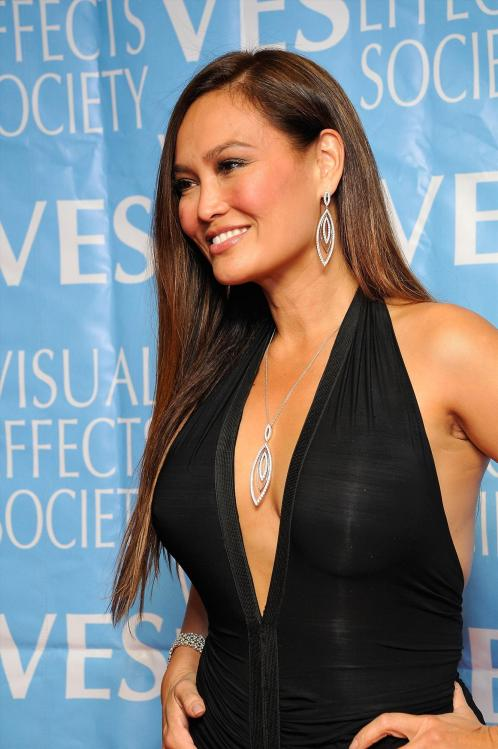 JSNF5Z7THM_Cleavy_Tia_Carrere_40_7th_Annual_Visual_Effects_Society_Awards_-_February_21_8_.jpg