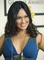 78545_Celebutopia-Tia_Carrere-50th_Annual_Grammy_Awards_Arrivals-02_122_776lo.jpg
