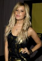 43145_ashley_tisdale_3_18_9_184615_122_571lo.jpg