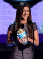 43197_ashley_tisdale__2009_mtv_movie_awards__show001_146556_122_566lo.jpg