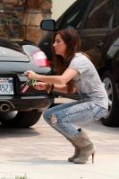 43202_ashley_tisdale_acid_jeans_122_154lo.jpg