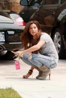 43231_ashley_tisdale_acid_jeans_5_122_41lo.jpg
