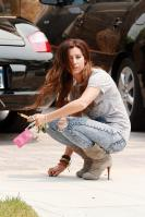 43236_ashley_tisdale_acid_jeans_6_122_255lo.jpg