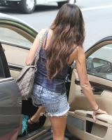 761988517_ashley_tisdale_leggy_out_and_about_in_santa_monica_06_122_504lo.jpg