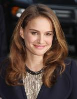 69805_Natalie_Portman_Visits_Late_Show_With_David_Letterman_003_122_42lo.jpg