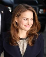 69815_Natalie_Portman_Visits_Late_Show_With_David_Letterman_006_122_551lo.jpg