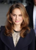 69819_Natalie_Portman_Visits_Late_Show_With_David_Letterman_007_122_467lo.jpg