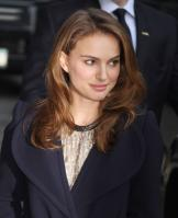 69824_Natalie_Portman_Visits_Late_Show_With_David_Letterman_008_122_16lo.jpg