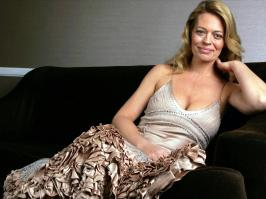 Jeri ryan completely naked — img 9