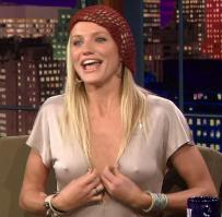 Cameron Diaz showing tits in TV