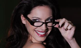29967_Kelly_Brook_Spectacle_Wearer_Of_The_Year_Awards_008_122_535lo.jpg
