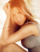 HE6SNCQJ7N_Jennifer_Aniston_-_Alexi_Lubomirski_-_Photoshoot_2010_2_.jpg