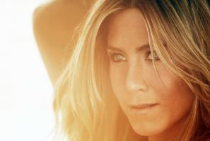 Y4CMIVDRNO_Jennifer_Aniston_-_Alexi_Lubomirski_-_Photoshoot_2010_4_.jpg