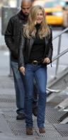 YPQVF2KI43_Jennifer_Aniston_-_On_Set_of_Wanderlust_in_NYC_-_Nov_18_19_.jpg
