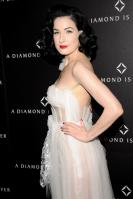72963_Dita_von_Teese_-_J_Moore_6_A_Diamond_is_Forever_Private_Dinner_Party_2115_122_137lo.jpg