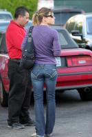 85956_Preppie_Jessica_candids_in_Hollywood_10_24_08_142d_122_855lo.jpg