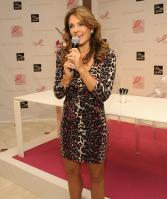 3ZIXGPNG1Z_Elizabeth_Hurley_40_Celebration_of_Strongwater_limited_edition_pink_reflections_-103_5_.jpg