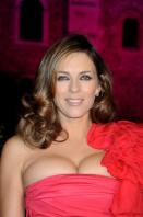 4Z8B5B3L95_Elizabeth_Hurley_-_Lights_up_the_Tower_Of_London_in_pink_-October_16_2_.jpg