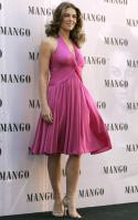 95056_Celebutopia-Elizabeth_Hurley_launches_Elizabeth_Hurley_for_MNG_Collection_in_Madrid-27_122_514lo.jpg