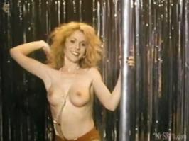 Barbara Alyn Woods striptease