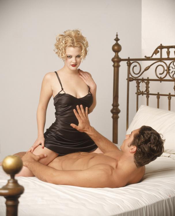Drew Barrymore desnuda - Fotos y Vídeos -