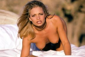 Jaime Pressly like a cat
