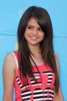 Selena Gomez is a pretty doll mit dicken Milchtitten und