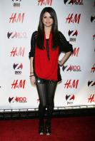 08965_Selena_Gomez_at_Z100s_Jingle_Ball_2010_001_122_571lo.jpg