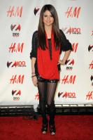 08980_Selena_Gomez_at_Z100s_Jingle_Ball_2010_008_122_377lo.jpg