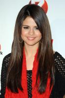 09009_Selena_Gomez_at_Z100s_Jingle_Ball_2010_019_122_629lo.jpg
