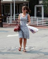 39975_Lacey-chabert-shopping_in_West_Hollywood-006_122_164lo.jpg