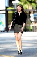 104639737_2cgdlkro3y-hilary-duff-leggy-in-hollywood-oct-22-1.jpg