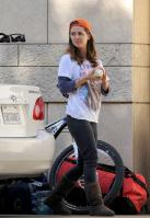 29040_eliza_dushku_thong_slip_working_on_her_car_in_la_01_122_478lo.jpg