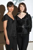 3QDPDFR953_Olga_Kurylenko_-_Quantum_of_Solace_Photocall_Jan_24_7_.jpg