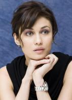 4E2SFEVLJX_Olga_Kurylenko_-_Photocall_for_Quantum_of_Solace_in_Los_Angeles_-Oct_23_3_.jpg