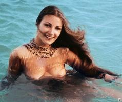 Jane Seymour nude in the sea