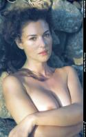 Monica Bellucci beutifully topless