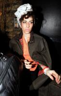 17644105_ck-to-black-amy-winehouse-photos-amy-winehouse-drugs-am2.jpg