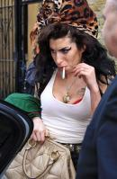 3141673_amy_winehouse_022508_08.jpg