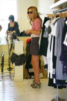 I4BR8VAVTN_Geri_Halliwell_-_Shopping_in_London_-May_6_2_.jpg