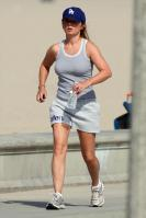 KZ617IF145_Geri_Halliwell_-_Jogging_in_LA_-Aug_29_1_.jpg