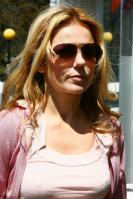 MZ7ZOA62JL_Geri_Halliwell_-_Shopping_in_London_-May_6_4_.jpg