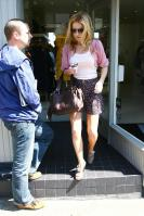 USNQIMBTGJ_Geri_Halliwell_-_Shopping_in_London_-May_6_1_.jpg