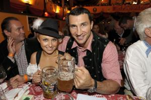 Hayden Panettiere with Klitschko on Octoberfest
