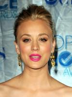 07U52QXTC8_Kaley_Cuoco_-_2011_Peoples_Choice_Awards_4_.jpg